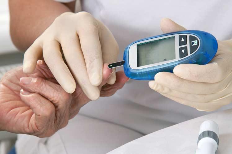 آمار مبتلا شدن به دیابت در ایران و جهان/ چند نفر در ایران دیابت دارند؟/ چند میلیون نفر در دنیا دیابتی هستند؟ + آمار ایران/ سالیانه چند نفر در ایران انسولینی می شوند؟/دیابت قاتل چند درصد از جوانان ایرانی هست؟/ رقم نجومی که در ایران صرف دیابت می گردد/  رقم نجومی که در ایران صرف معالجه قند خون می گردد/