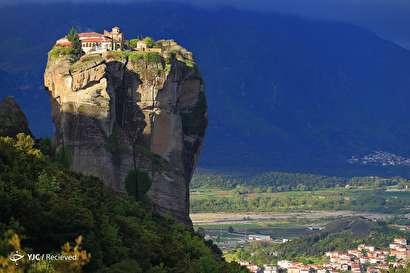 مجموعه کلیسای ارتدوکس مته اورا یونان