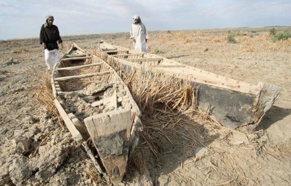 افغانستان نسبت به تامین حقابه هامون کم کاری می کند/ سیاست لبخند وزیر امور خارجه پاسخگو نیست