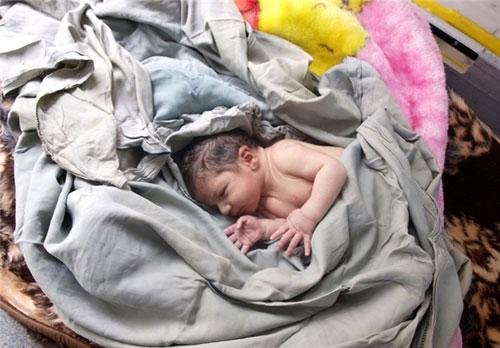 نیمی از نوزادان متولد شده از مادران معتاد، اعتیاد دارند