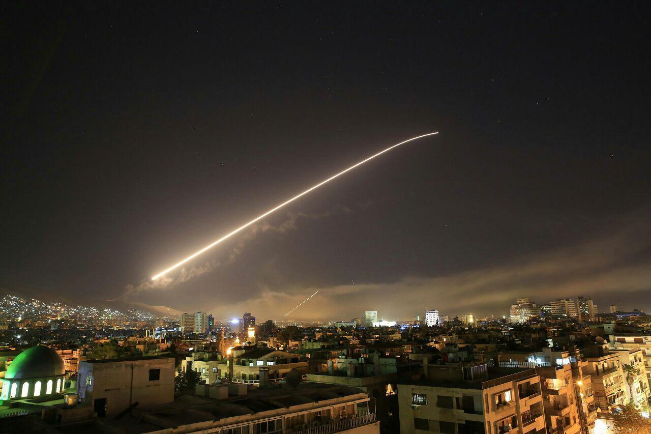 تهاجم نظامی آمریکا علیه سوریه آغاز شد/ اوضاع در دمشق عادی است