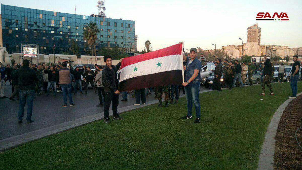حملات هوایی آمریکا، انگلیس و فرانسه به سوریه/ اوضاع در دمشق عادی است