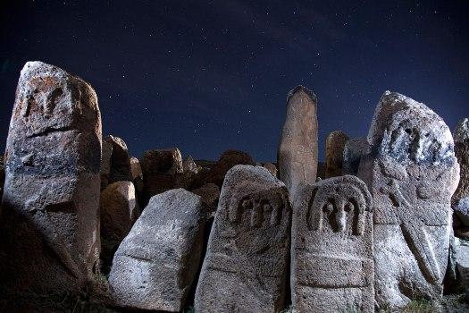 نگرانی برای آینده نامعلوم سنگ افراشتههای شهر یری