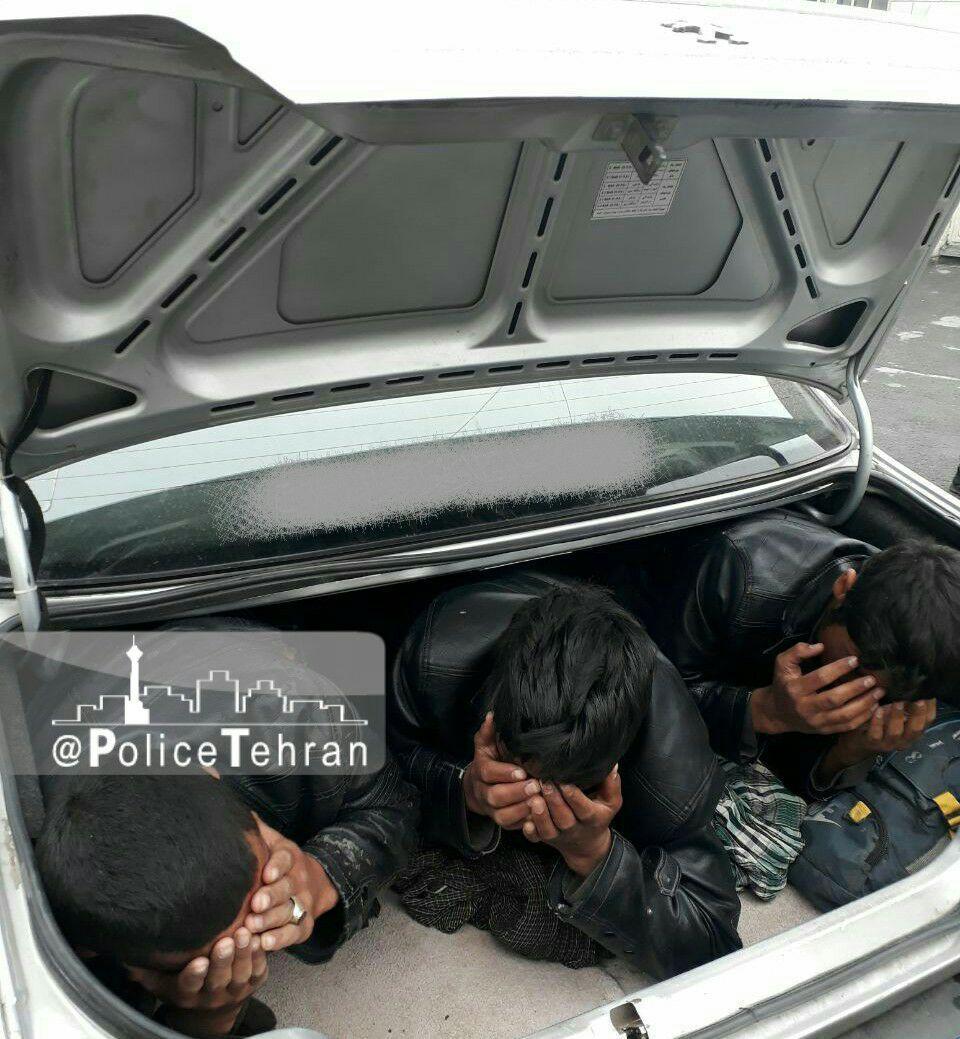 توقیف خودروی سواری حامل اتباع بیگانه غیرمجاز در عوارضی تهران-قم