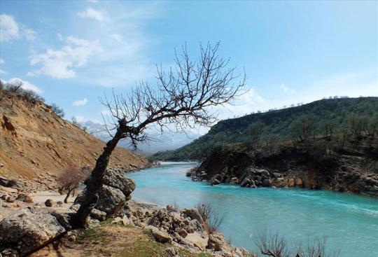 عکس دیدنی از طبیعت بهاری حاشیه رودخانه بازفت