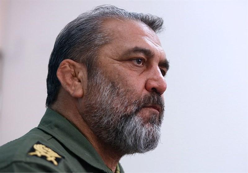 رونمایی موشک شفق در روز ارتش