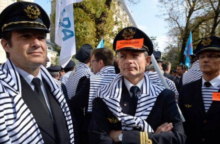 اعتصاب کارکنان ایرفرانس 220 میلیون یورو زیان وارد کرده است