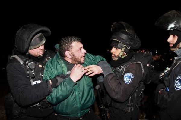 در حمله صهیونیستها به کرانه باختری 8 نفر بازداشت شدند
