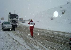 11 استان کشور متاثر از برف و کولاک/ رهاسازی 169 خودرو گرفتار در برف طی 72 ساعت گذشته