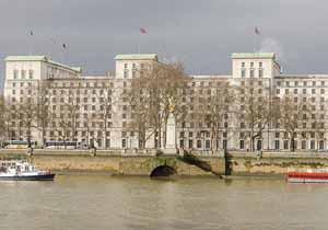 وزارت دفاع انگلیس: لندن در حمله موشکی بامداد سهشنبه به سوریه مشارکت نداشته است