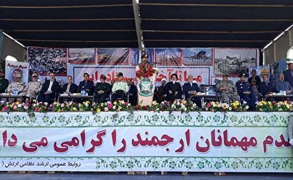 باشگاه خبرنگاران -برگزاری رژه  نیروهای مسلح در خراسان جنوبی +تصاویر