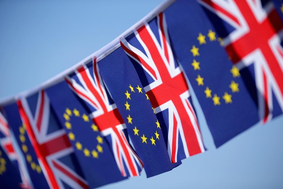 ۸ کشور اروپایی برگزاری همه پرسی برای ماندن انگلیس در اتحادیه را خواستار شدند
