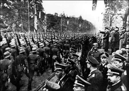 نماینده پارلمان لهستان: آلمان باید ۴۴۰ میلیارد یورو غرامت جنگ جهانی دوم به لهستان پرداخت کند