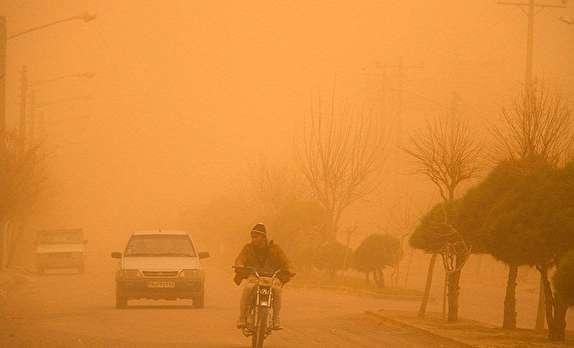 باشگاه خبرنگاران -گرد و خاک و وزش باد شدید در مهاباد