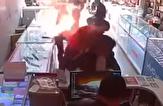 باشگاه خبرنگاران -انفجار باتری موبایل در فاصله چند سانتیمتری صورت مشتری +فیلم