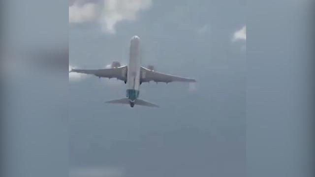 لحظه حیرت انگیز تیک آف عمودی  بوئینگ 737 +فیلم
