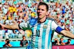 تیمی که با قرعه یک پسربچه به جام جهانی رفت! +عکس و فیلم