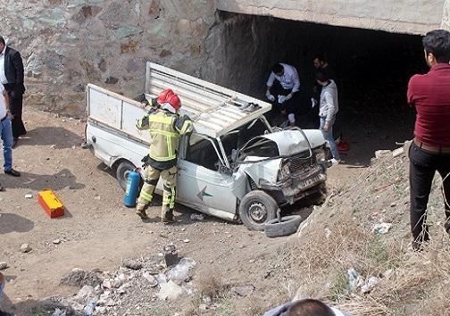 سقوط خودرو از روی پل در قزوین