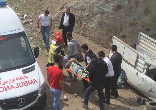 سقوط خودرو از روی پل در قزوین + تصاویر