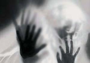 اقدام هولناک دختر برای فرار از دست پدر خشمگین!+فیلم