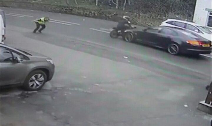 حادثه غیر منتظره، سارق زرنگ را به دام  پلیس انداخت + فیلم///////////////////