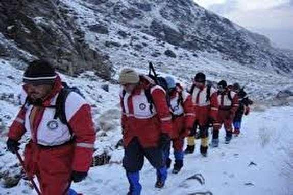 باشگاه خبرنگاران -عملیات جستجو در ارتفاع ۴ هزار و ۵۰ متریکوه پازن پیر دنا ادامه دارد