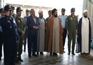 بازدید فرمانده نیروی هوایی از نمایشگاه هوایی راهیان نور پایگاه وحدتی دزفول