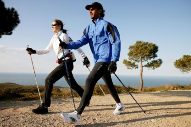 چرا زنان به اندازهی مردان پیاده روی نمیکنند؟