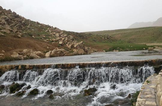چشمه دیمه از جاذبههای گردشگری کوهرنگ