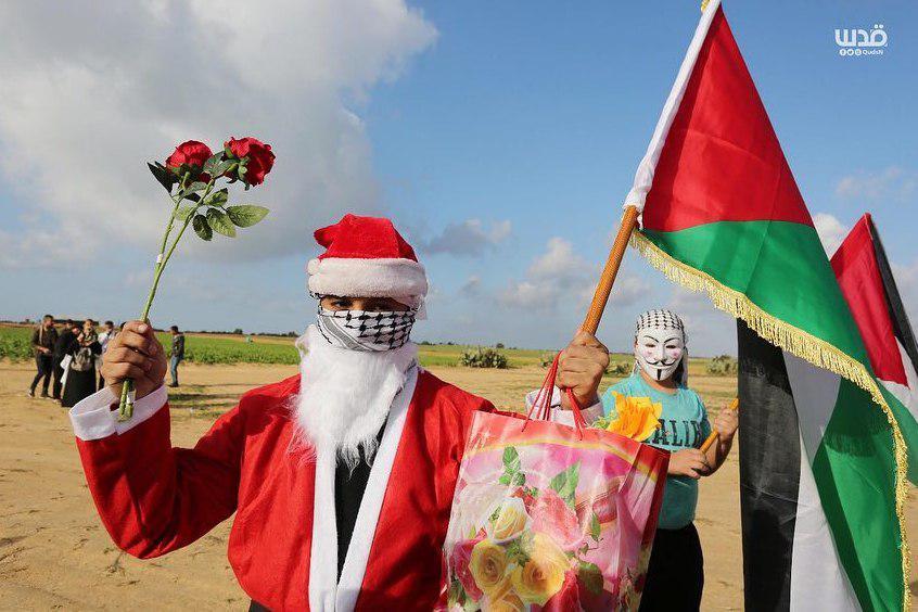 حضور افتخاری بابانوئل در مرز غزه و اسرائیل+عکس