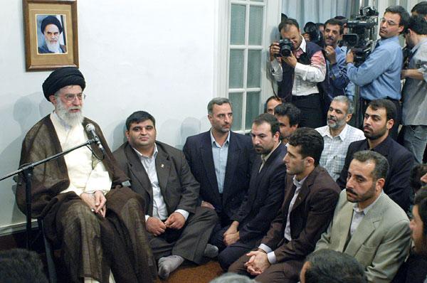 حسین رضا زاده :مدال هایم را به رهبر انقلاب تقدیم میکنم /40 سالگی انقلاب  مایه فخرجهان است
