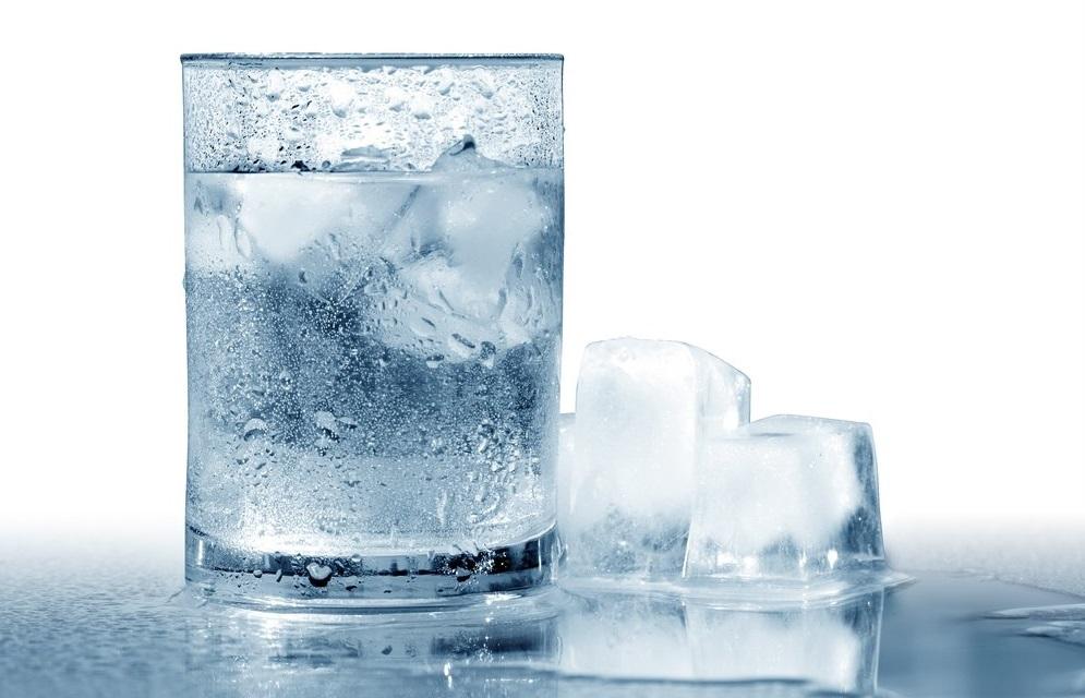 با درست نوشیدن آب بیماری را از خود دور کنید
