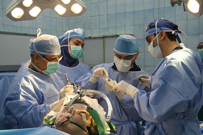 جراحان ایرانی در ۱۰ رشته در زمره برترینهای جهان/ایران بر فراز بام تخصصهای مغز و اعصاب و لاپاراسکوپی در منطقه