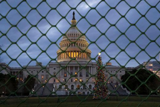 زندگی مردم آمریکا قربانی دعوای ترامپ و دموکراتها