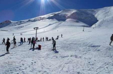 تمام امکانات لازم برای اسکی حرفهای، در دل پیست فریدون شهر + فیلم