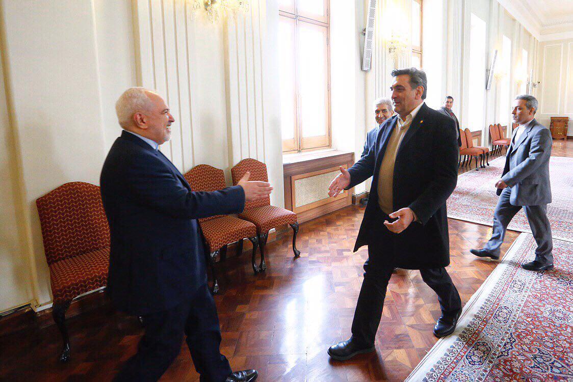کاظمی///جزئیات دیدار ظریف با شهردار تهران/ میدان مشق از هفته آینده تا ساعت 24 باز است