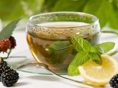 درمان یبوست با یک نوشیدنی خوشمزه/ مصرف شربت فلوس کبد را پاکسازی میکند