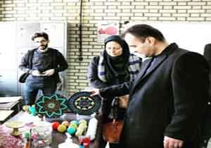 بازدید فرماندار بوکان از کارگاه طراحی و نقطه کوبی روی سفال