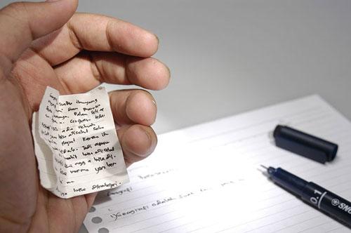جالب ترین و عجیب ترین روش های تقلب کردن در امتحانات