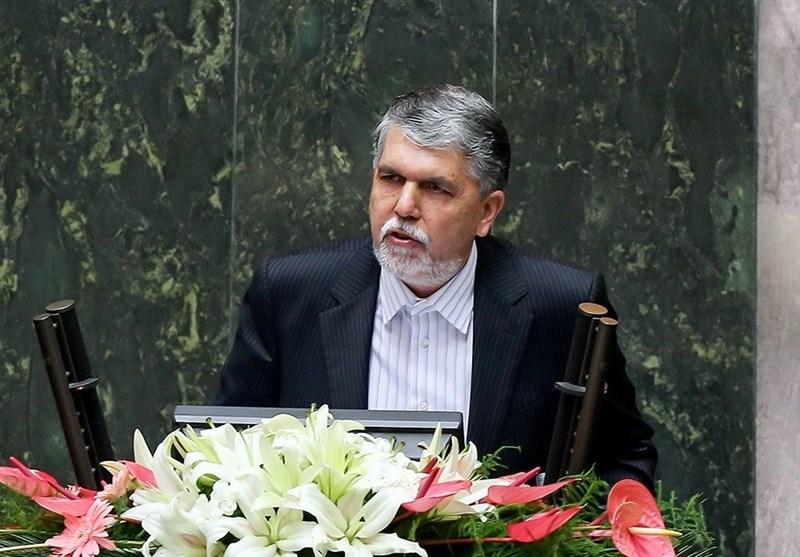 نمایندگان از پاسخهای صالحی درباره تضعیف حقوق انتشارات قانع نشدند