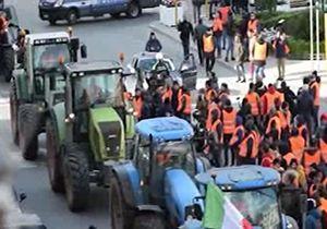 تظاهرات کشاورزان ایتالیایی با تراکتور علیه دولت + فیلم