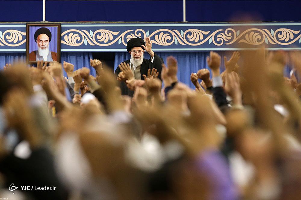 دیدار هزاران نفر از اقشار مختلف مردم قم با رهبر معظم انقلاب