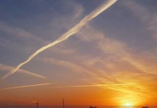 ماجرای خطوط عجیب در آسمان ایران چه بود + تصاویر