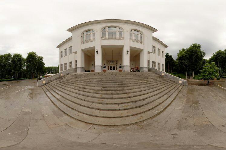 از «راحتآباد» تا «کاخ سفید» سفر کنید