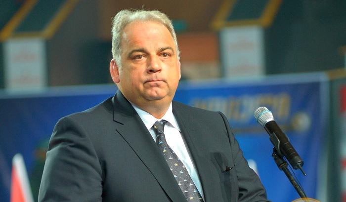 هدیه مشکوک اماراتیها به رئیس جهانی اتحادیه کشتی