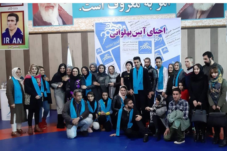 هادی: حمایت از بیماران وظیفه انسانی است/ حسین خانی: مبارزه با سرطان کمتر از قهرمانی نیست