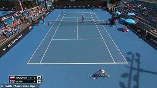 واکنش شگفتانگیز بازیکن تنیس در حین مسابقه +فیلم