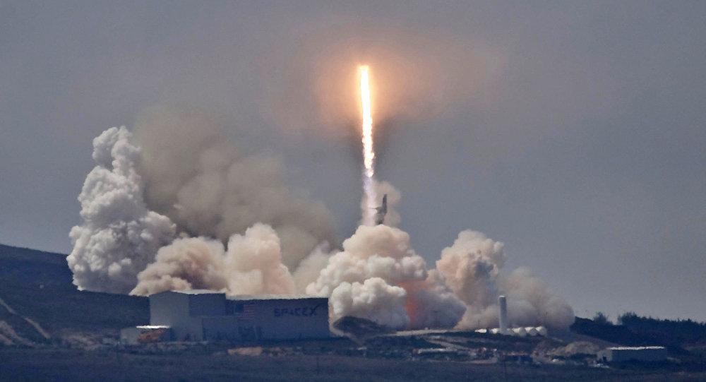 مسکو: روسیه و آمریکا درباره پیمان منع موشکهای هستهای میانبرد گفتگو خواهند کرد