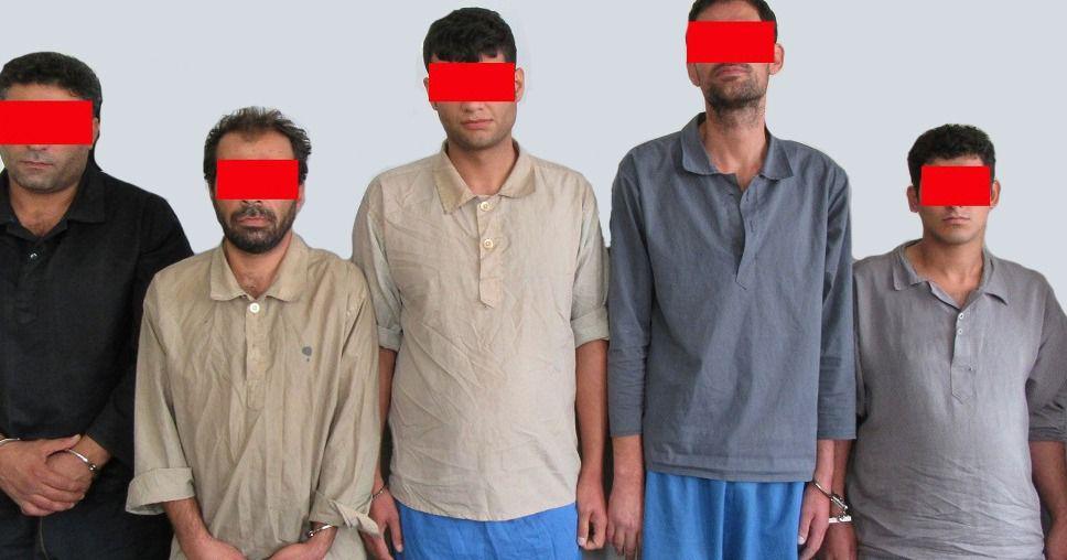 دستگیری باند ۵ نفر سارقان منزل در مجیدیه/ سارقان در پوشش نظافت چی سوژههای خود را شناسایی میکردند.