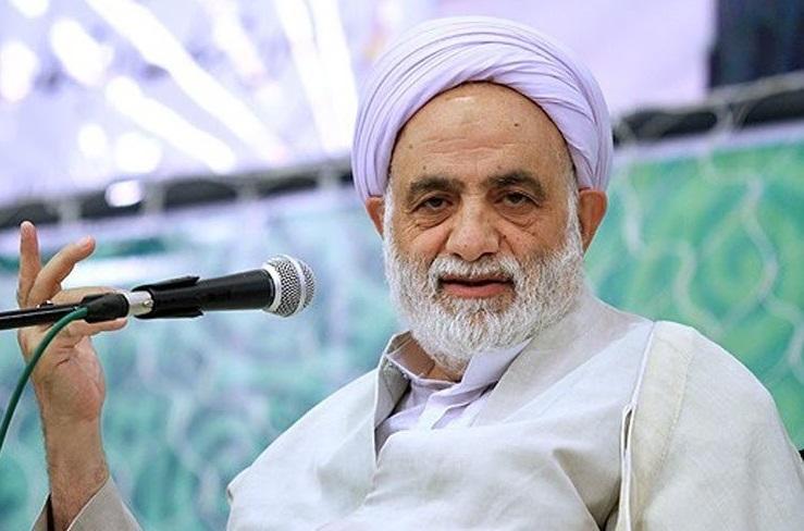 اعضای ستاد بزرگداشت چهلمین سالگرد انقلاب به دیدار حجت الاسلام قرائتی میروند